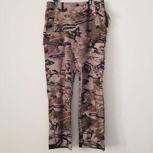 df37ce309d343 Under Armour Pants - Under Armour Storm Mens Camo pants 32/30